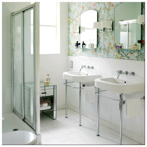 bathroom-with-wallpaper-24