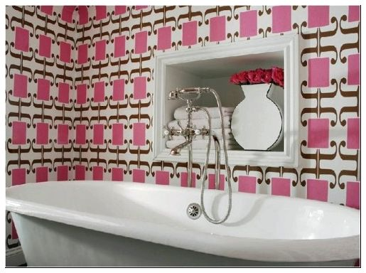 bathroom-with-wallpaper-26