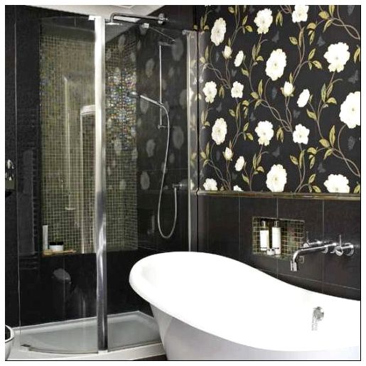 bathroom-with-wallpaper-22