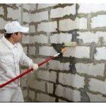 Грунтовка для кирпичных стен – как правильно она делается?