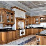 Элитные кухни из натурального дерева: обзор материалов, фото