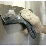 Все, что требуется знать о нанесении шпаклевки на стены под обои