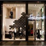 Окно в мир осени – потрясающее оформление витрин магазина одежды luisa spagnoli, милан