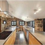 Великолепный bord-du-lac house: новая жизнь старого дома от henri cleinge, квебек, канада