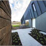 Нулевой дом, построенный из кирпича и древесных отходов по пилотному проекту от snohetta