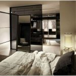 Оформление выставочного зала для мебельной студии poliform от команды bestetti associati studio, париж, франция