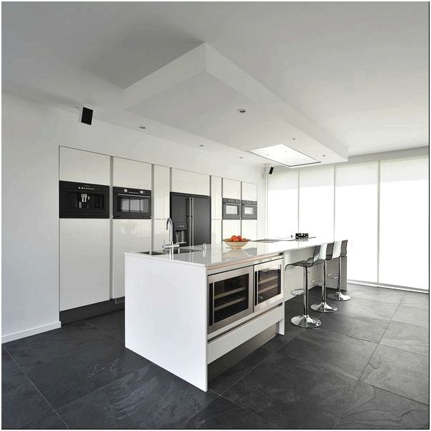 Кухня загородного дома Bemmel Residence в Нидерландах