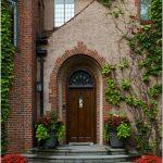 Как красиво оформить входную дверь: 15 невероятных проектов для вашего парадного входа