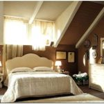 Спальня на мансарде – решение для романтиков