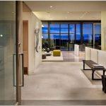 Дома на склоне холма: реконструкция hillside modern residence от defrost architecture, сиэтл, сша