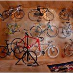 Концептуальный интерьер магазина велоснаряжения pump