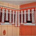 Вязаные шторы в интерьере (52 фото)