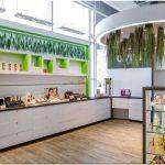 Оригинальный дизайн «супермаркета здоровья»; avril supermarche sante — интерьер магазина бадов и косметических средств в монреале