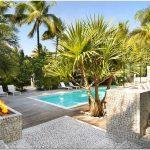Престижный дом breezy home: освежающая прохлада в жарком miami