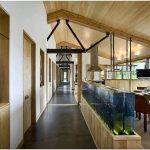 Прекрасное убежище в стиле кантри у подножия гор – eha family trust residence от ward+blake architects, wilson, сша