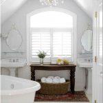 Волшебное превращение заброшенного тёмного чердака в светлую и современную ванную комнату – этапы непростого пути в фотографиях и комментариях