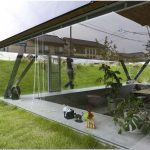 Воссоздающий прошлое: пирамидальный дом saijo от японских архитекторов из suppose design office