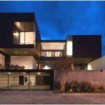 Современная уютная вилла casa ch с великолепным видом на город от компании glr arquitectos, monterrey, муниципалитет гарса гарсия, штат nuevo leon, мексика