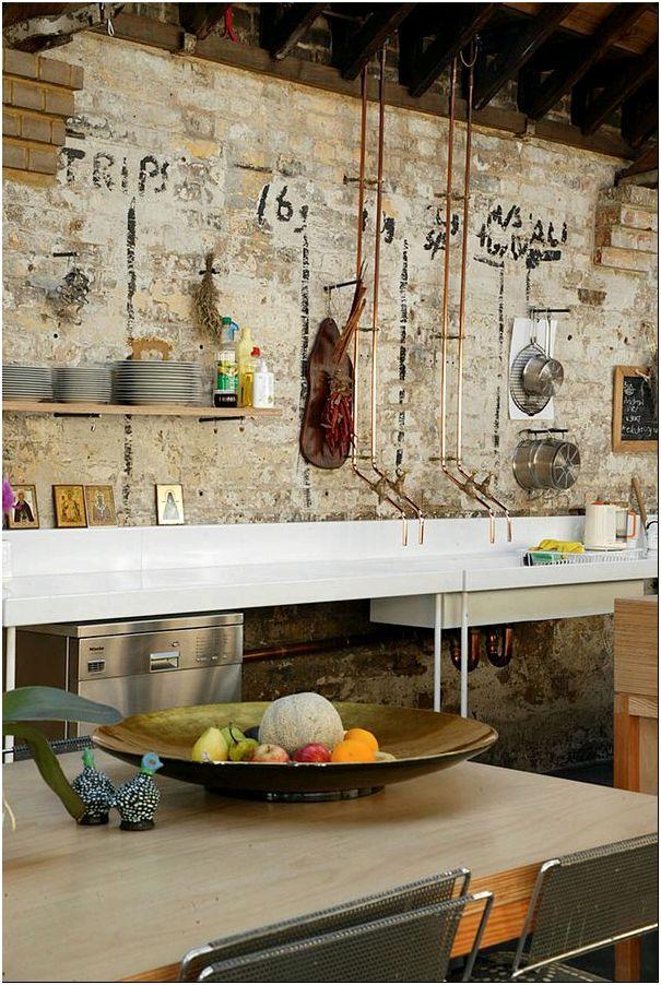 Дизайн интерьера дома Kilburn Lane похожего на карточный домик от креативных дизайнеров в Англии