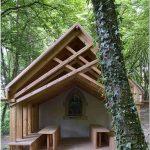 Островок духовного благолепия в эпицентре живописного парка – часовня святой женевьевы