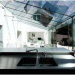 Ода свободному пространству в потрясающем проекте стеклянной пристройки