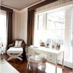 Роскошные интерьеры домов: гламурные акценты органично уживаются с традиционным стилем