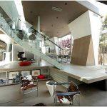 Потрясающий архитектурный шедевр: дом с плавными линиями от anthony coscia, лос-анджелес, сша