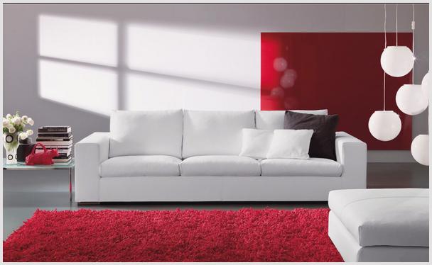 стильный мягкий диван белового цвета