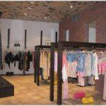 Оборудование для магазинов одежды – модные тенденции