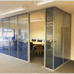 Окна с жалюзи и высококачественные офисные перегородки по умеренным ценам