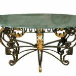 Когда актуально выбрать стол в стиле модерн