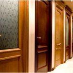 Из чего делают двери?