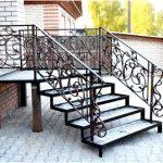 Металл — хороший материал для строительства лестниц?
