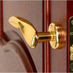 Какую фурнитуру для дверей выбрать? Что такое фурнитура для дверей?