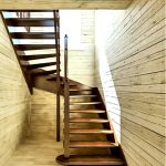 Готовые интерьерные лестницы становятся все более красивой альтернативой армированным конструкциям. Из каких возможностей мы можем подбирать?